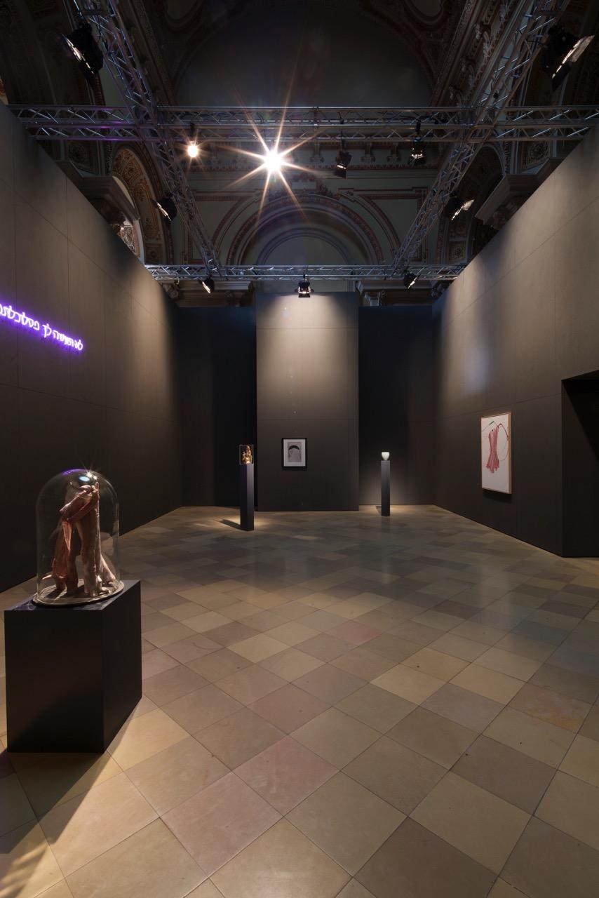 Ausstellungsansicht nach dem Aufbau, wenige Tage vor der Eröffnung, Foto © Uwe Gaasch